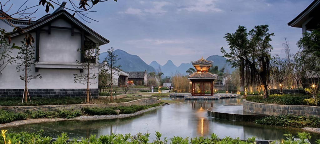 asia-china-guilin-banyan-tree-yangshuo-garden-2