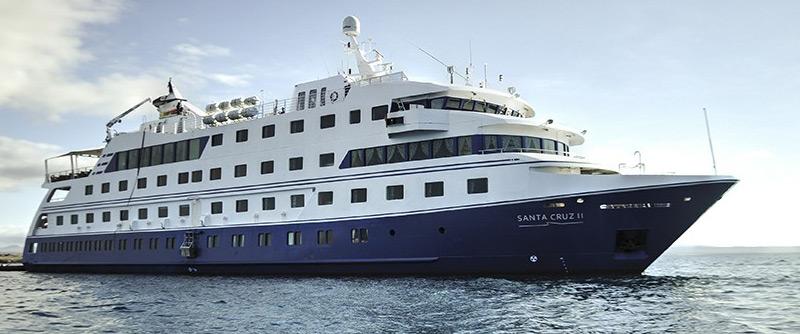 santa-cruz-2-galapagos-ship